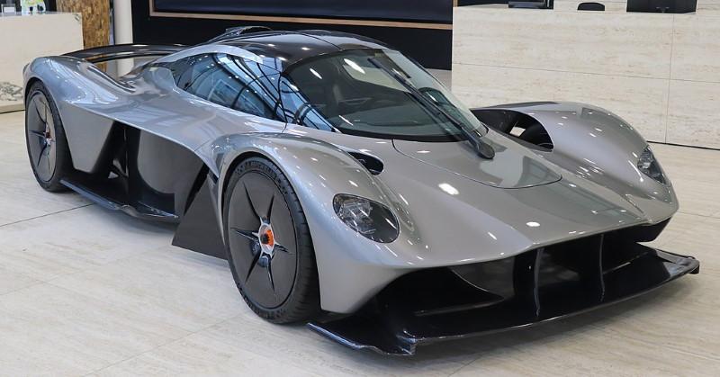 Aston Martin Valkyrie straatversie