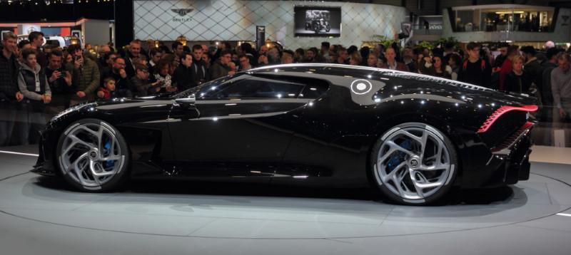 Bugatti La Voiture Noire - zijkant