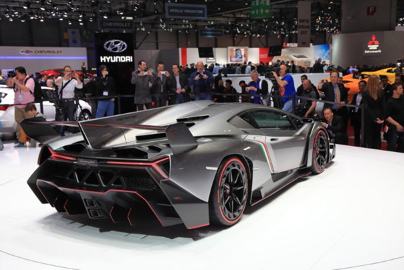 Lamborghini Veneno Roadster - achterkant
