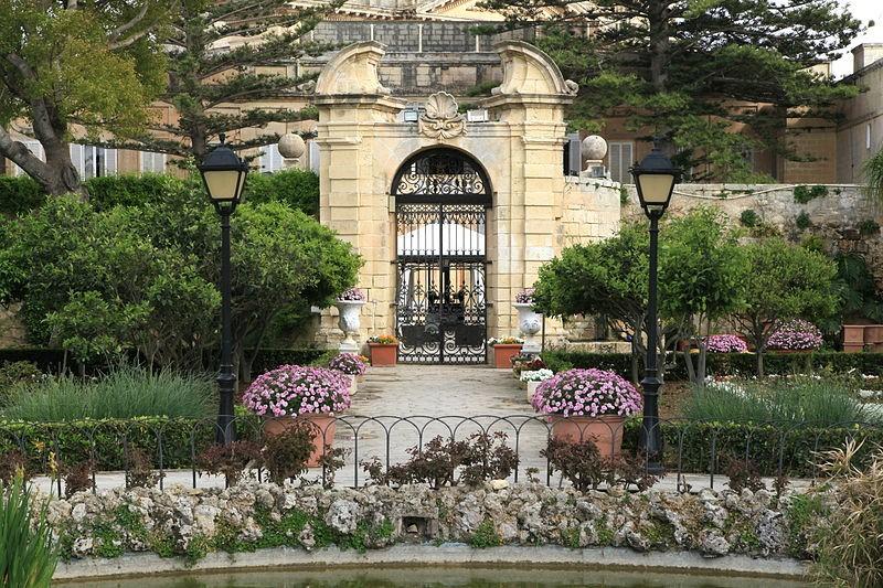 palazzo-parisio2