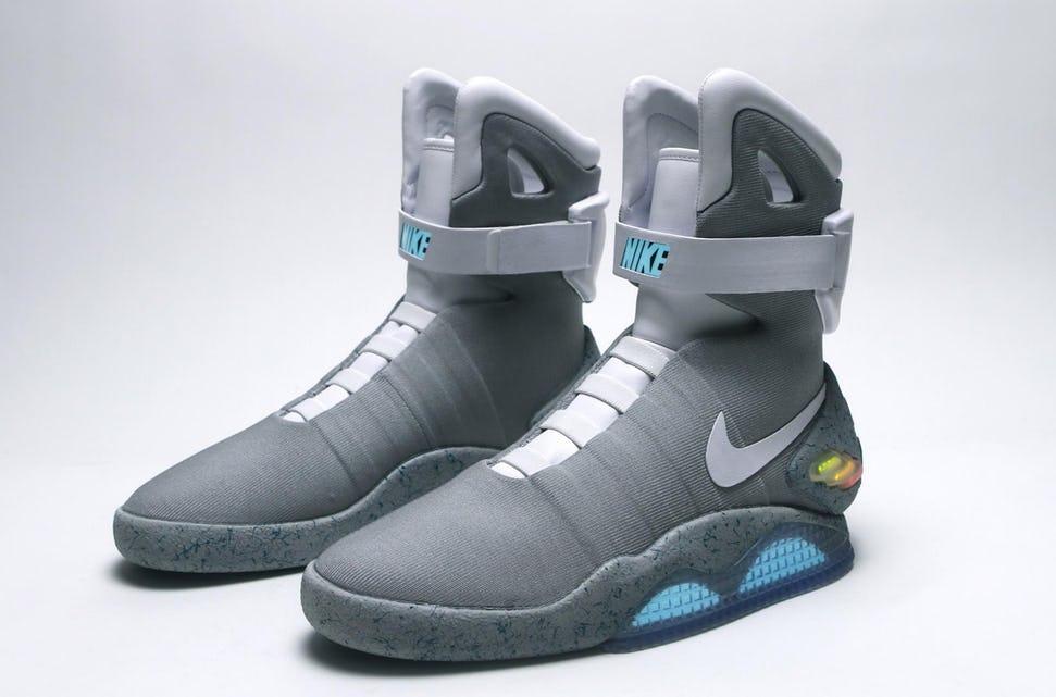 separation shoes e3418 e76c6 De Nike Air Mag sneakers werden gezien als de schoen van de toekomst.  Oorspronkelijk werden ze gelanceerd in 2011 in een zeer beperkte oplage.