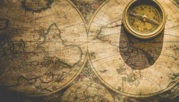 kompas wijst naar de noordpool