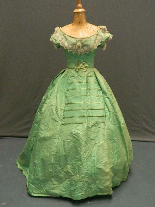 gifgroene jurk