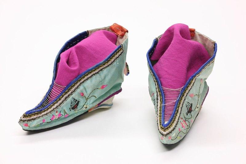 lotus schoenen
