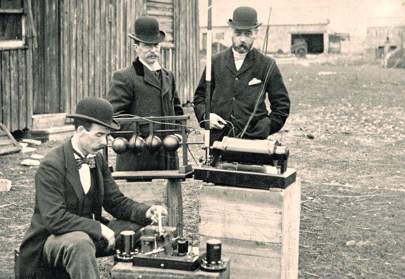 eerste radio
