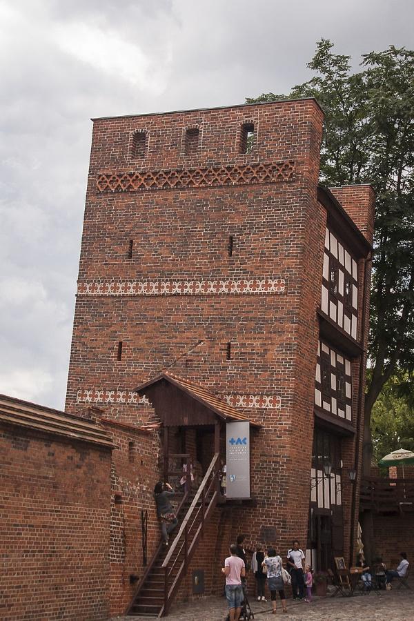 hellende toren van torun