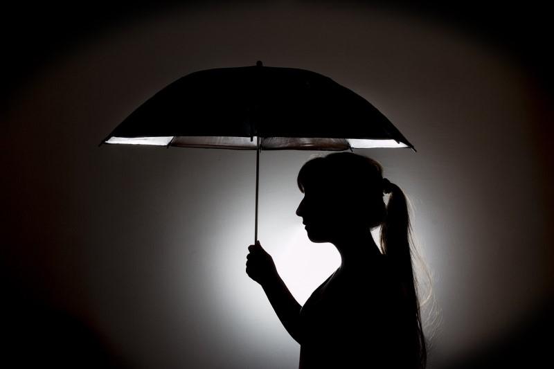 paraplu binnen opendoen ongeluk