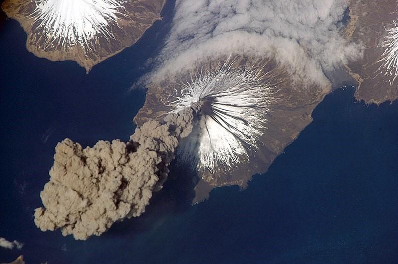 uitbarsting vulkaan mount cleeland