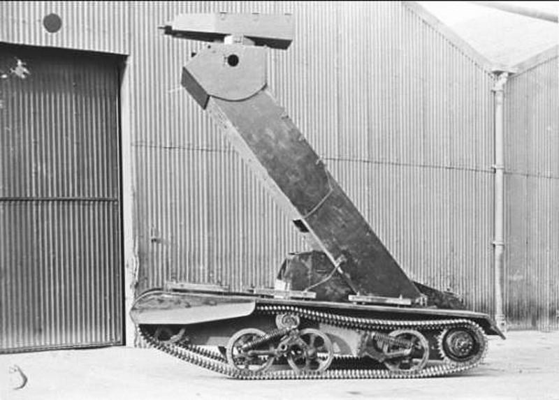 Praying Mantis tank