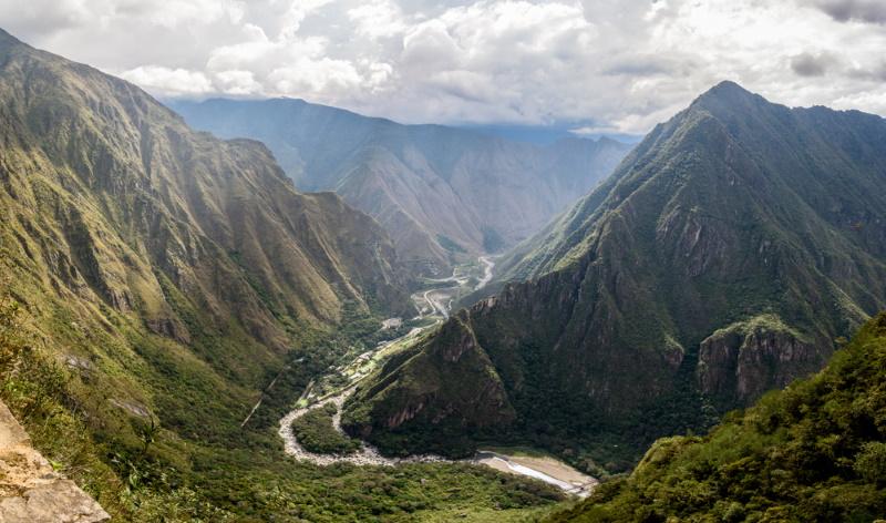 Urubamba rivier in het dal van machu picchu