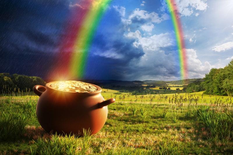 pot met goud aan het einde van de regenboog