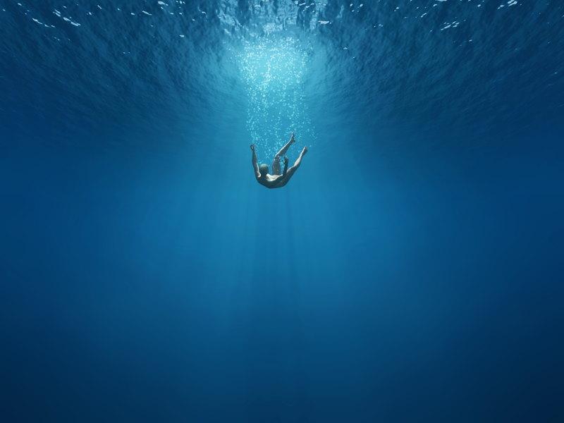 verdrinken of vallen