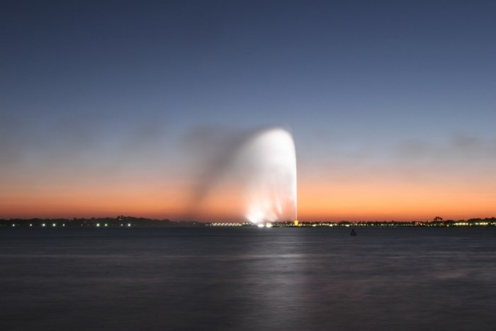 Colorful-jet-of-water-at-dusk.-Jeddah