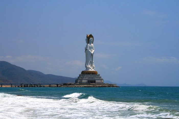 GUANYIN-OF-THE-SOUTH-SEA-OF-SANYA