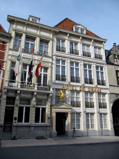 Hotel De Draak te Bergen op Zoom