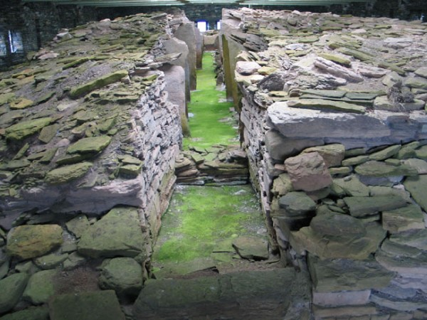 Midhowe-Chambered-Cairn