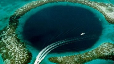 the-blue-hole1-620x482