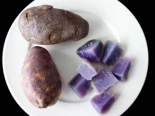 blauwe aardappel