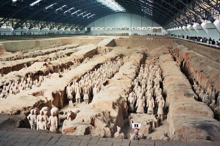 mausoleum met het terracottaleger van keizer Qin Shi Huang