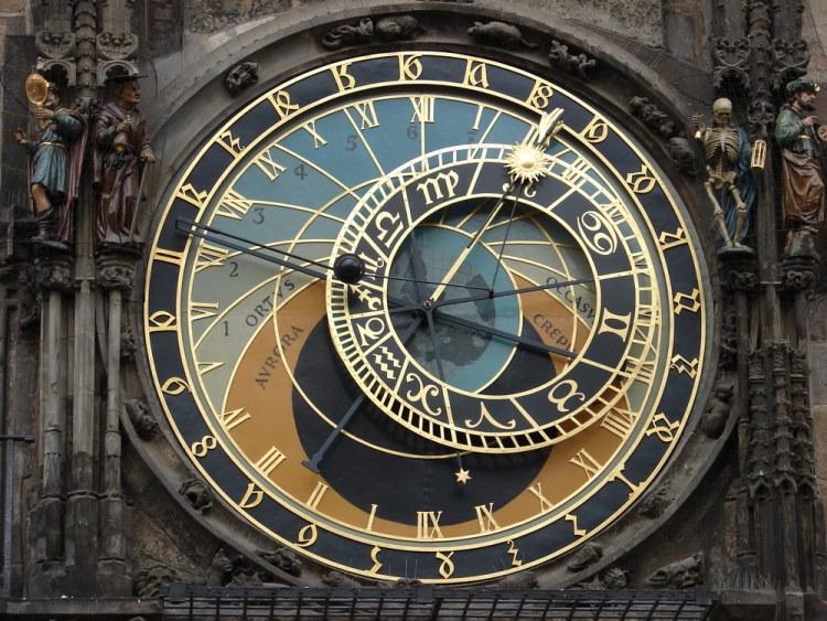 praag astronomisch uurwerk