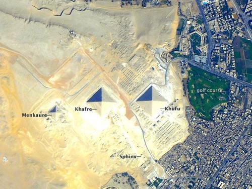 pyramids_space