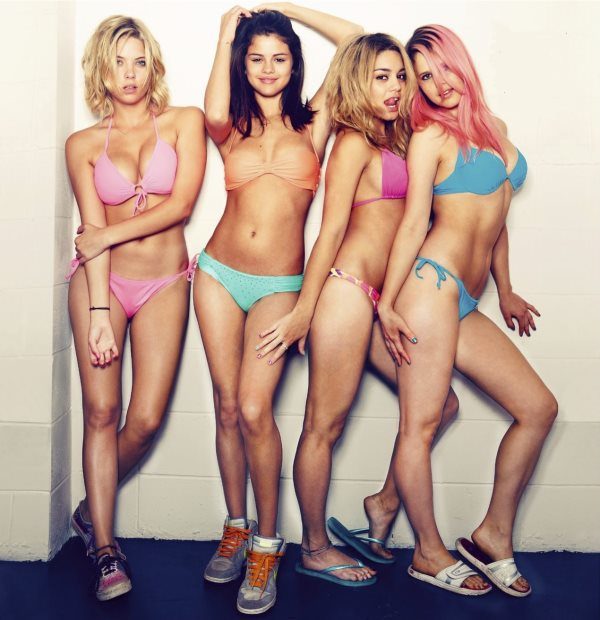 spring breakers in bikni's